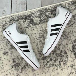 NIB Adidas VS Pace men's basketball shoes